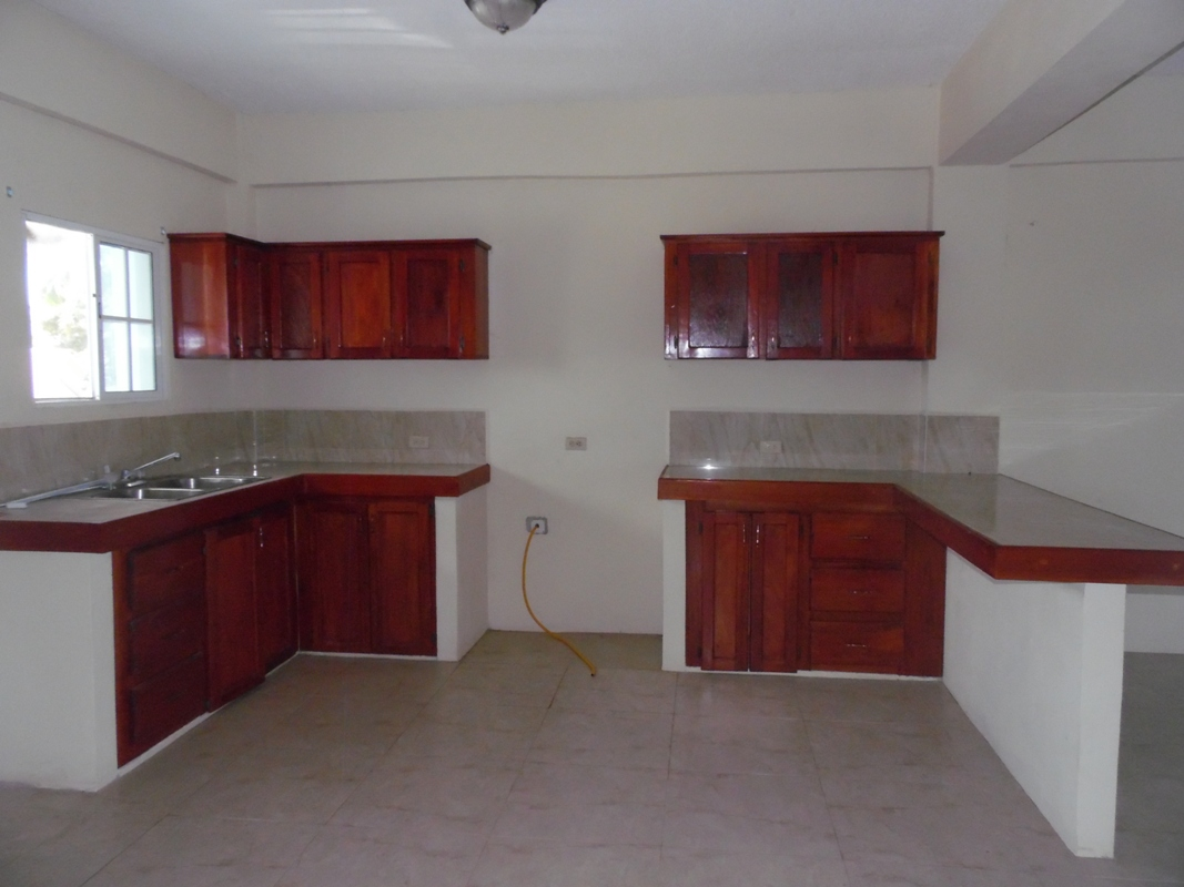 Unfurnished 3 Bed Apartment for Rent in Belize City