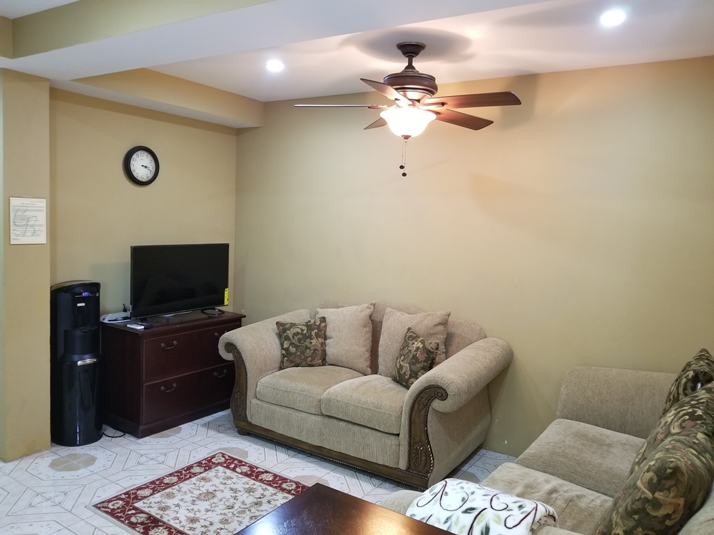 Fully Furnished 2 Bed 1 Bath  Vacation Rental in Belize City for Rent