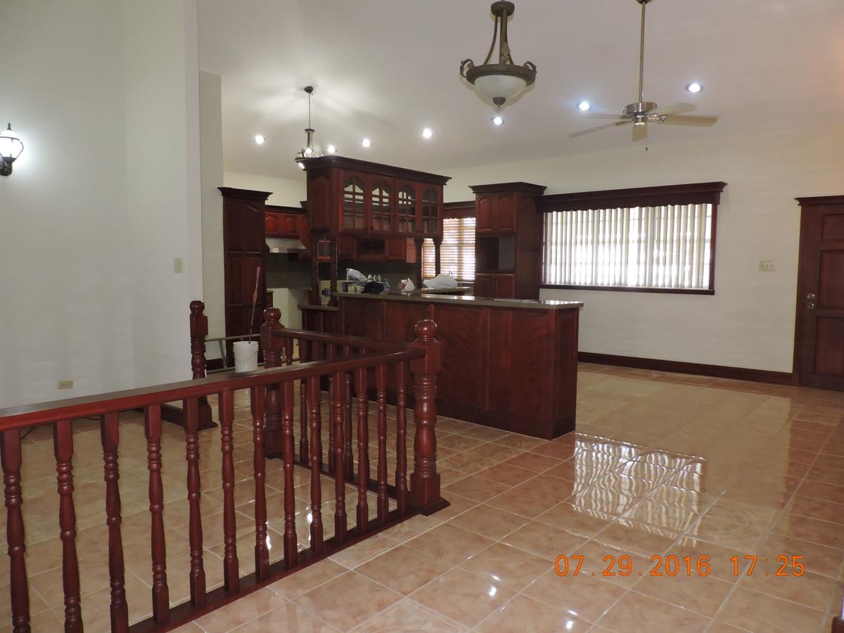Large 3 bedroom 2 bath house