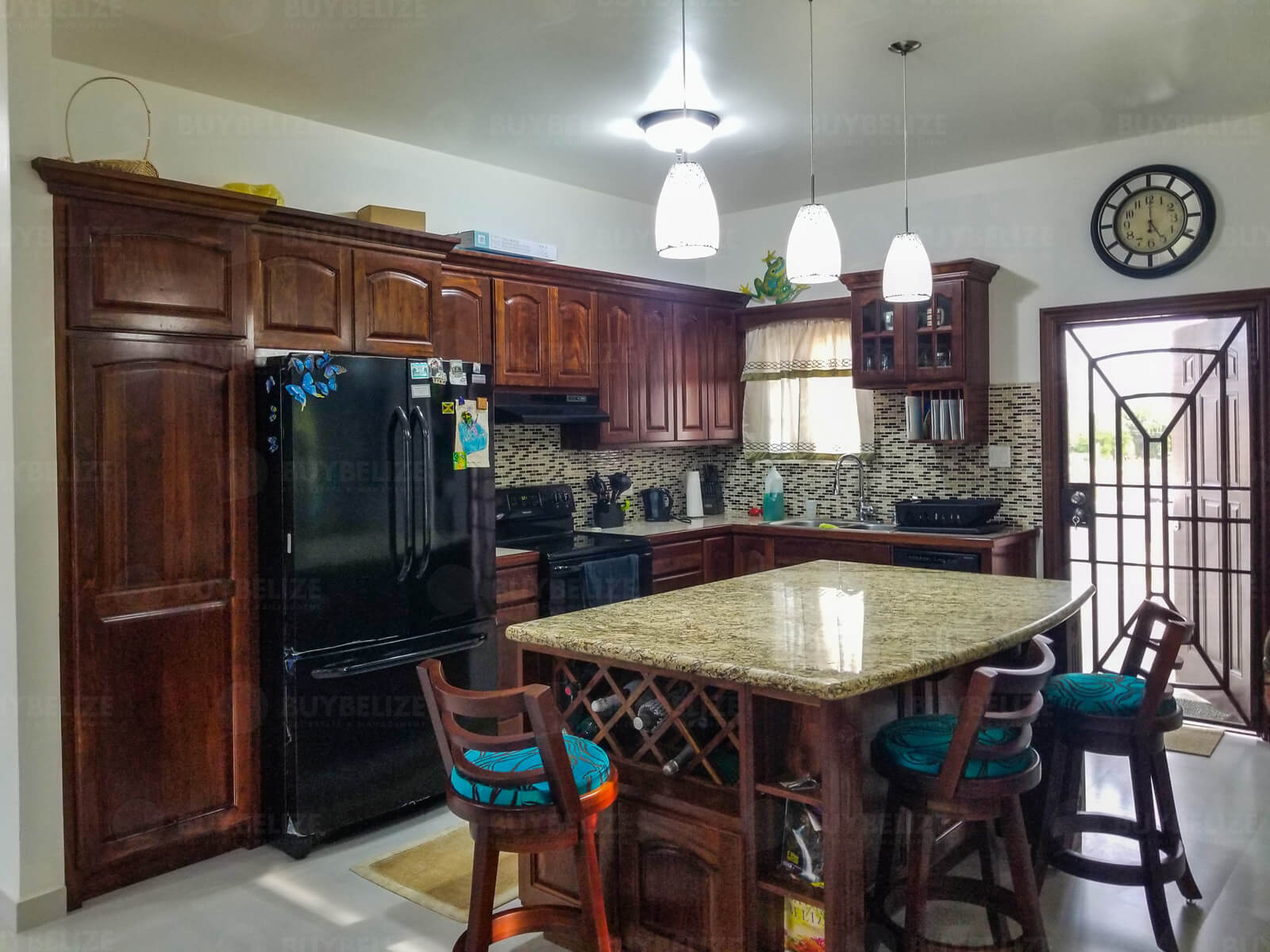 Beautiful 3 Bed 2 Bath House in Belize City