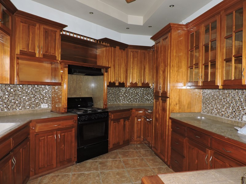 Beautiful 3 Bed, 2 Bath Family Home for Rent