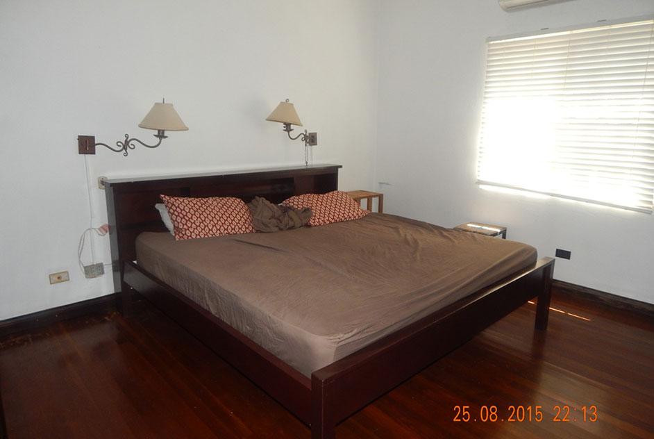 3 bedroom, 2 bathroom bungalow house