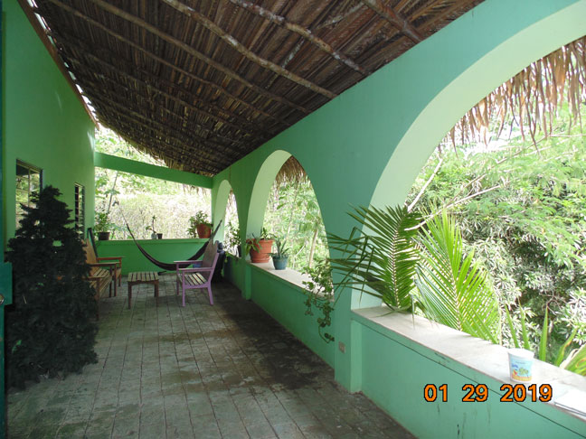 Riverside Family Home in Cristo Rey, Cayo