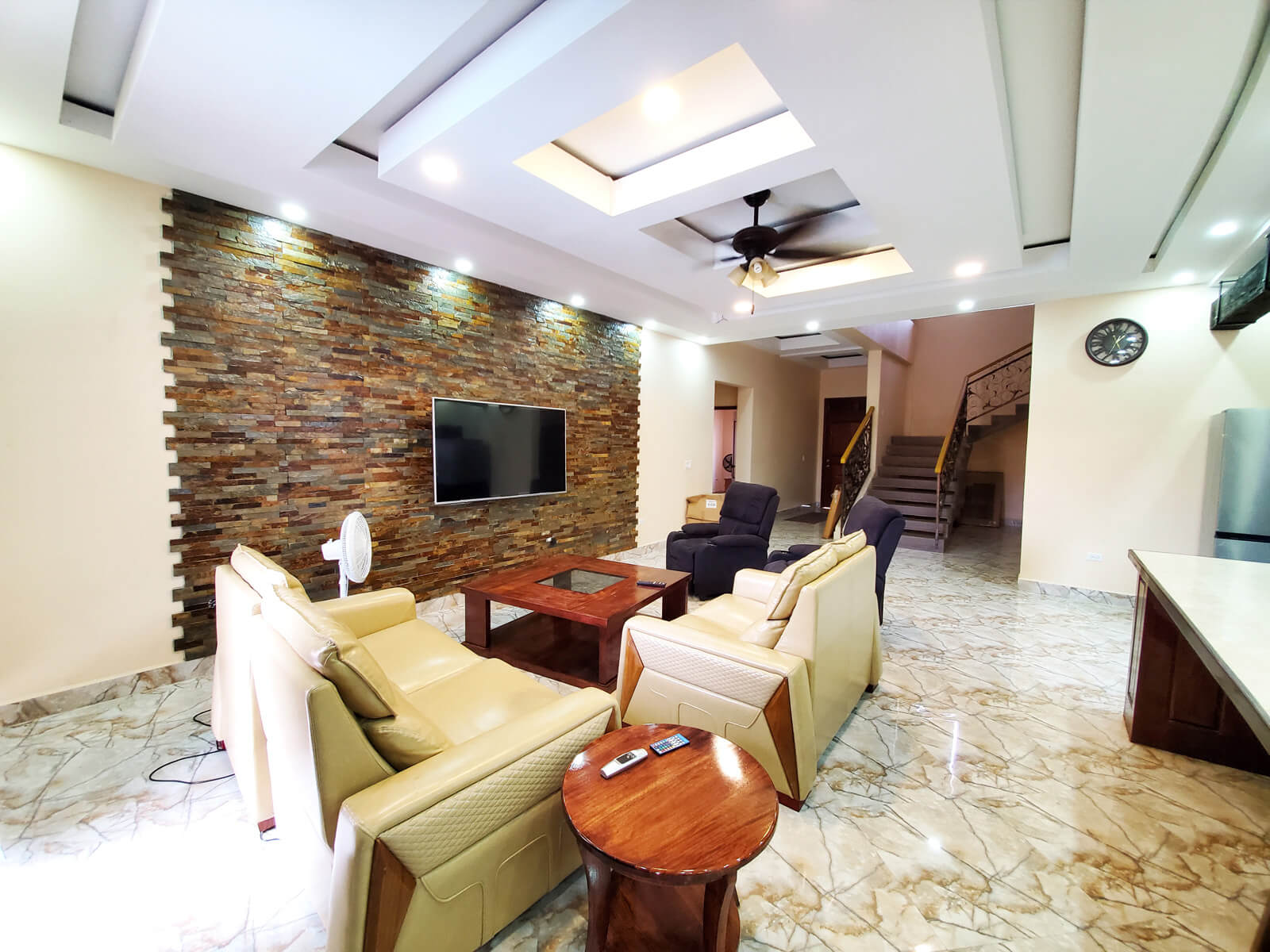 High End Luxurious 4 bedroom with 4 bathrooms Villa