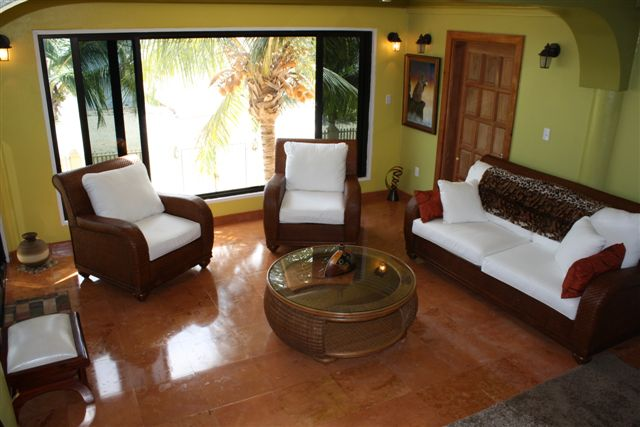 House on 3 Acres in Placencia