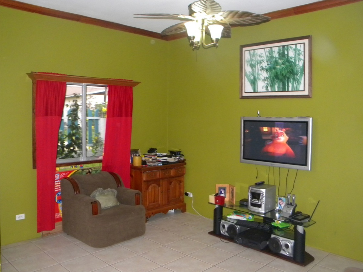 3 Bedroom, 2 Bathroom House in Belmopan